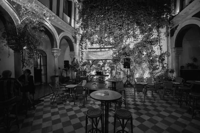 Damajuana Café Bar