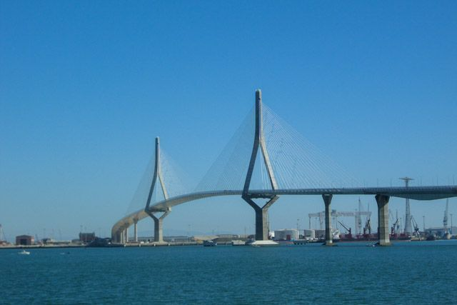Descubre Cádiz de la manera más saludable y sostenible: en bici.