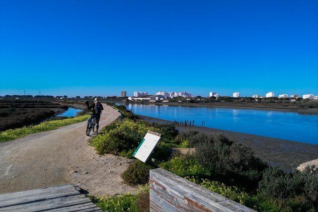Ruta en bici con Actiba Mar y Aventura