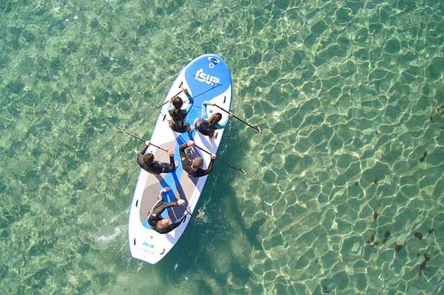 B3 trabaja desde el año 1993 satisfaciendo a miles de clientes en el mercado de kitesurf, windsurf, SUP, surf y wake. Confian en marcas de prestigio como Naish, Slingshot, Gath, Surf Logic o Creatures. Además, B3 apuesta por la fabricación propia de productos con las marcas Isup, Isurf, KGB y B3, logrando así precios realmente atractivos sin afectar a la calidad final del producto.