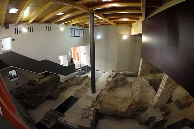 El Conjunto Arqueológico Romano de Medina Sidonia es una buena muestra del alto grado de urbanización y desarrollo de la villa Asido-Caesarina en esa época.