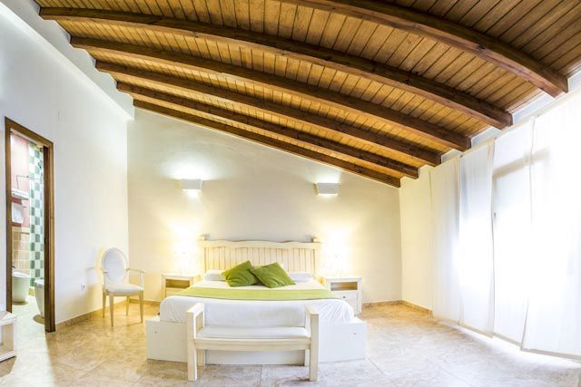 Los alojamientos en Cádiz te acogen de tal manera que te sentirás como en casa. Tendrás a tu disposición todas las comodidades y servicios para que solo tengas que preocuparte de disfrutar de tu tiempo.