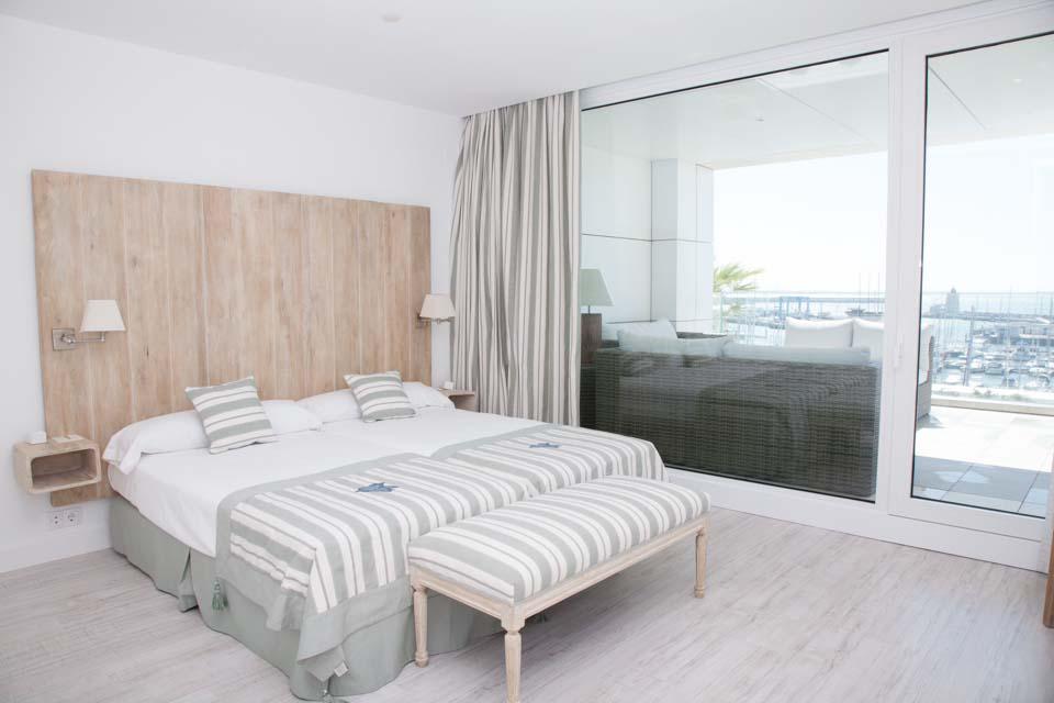 Las Suites de Puerto Sherry un lugar exclusivo donde disfrutar de unas vacaciones con todas las comodidades y la privacidad de su propia casa, con los servicios de un hotel en un marco incomparable.