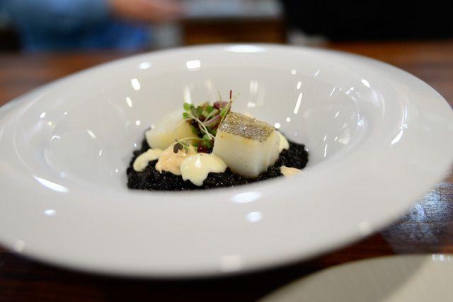 La Curiosidad de Mauro Barreiro, in Cadiz city, offers you the most avant-garde cuisine.