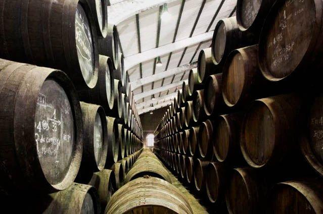 Delgado Zuleta es una Bodega que se funda en Sanlúcar de Barrameda en el año 1744. Elabora sus vinos bajo las marcas Zuleta, Quo Vadis?, La Goya, Goya XL, Barbiana, Monteagudo y Viña Galvana.