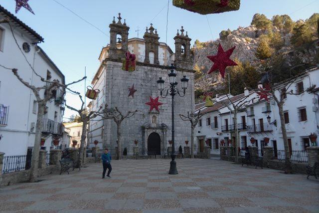 """Si te apetece un plan de lo más """"rural"""", Grazalema es uno de los pueblos blancos de la Sierra de Cádiz que no puedes dejar de visitar."""