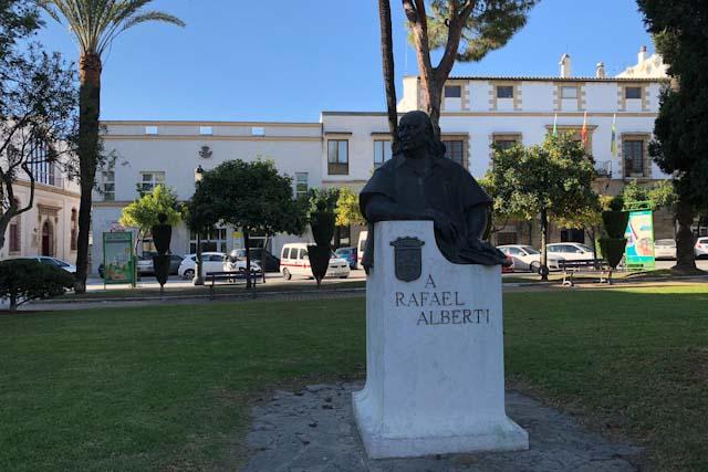 Monumento de un busto a Rafael Alberti
