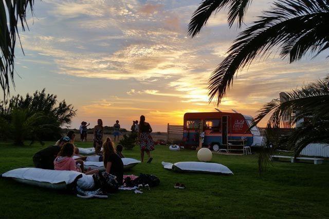 Tarifa es otro rollo. Siempre. De día y de noche. Ve y compruébalo por ti mismo. El mejor ocio nocturno en Cádiz.