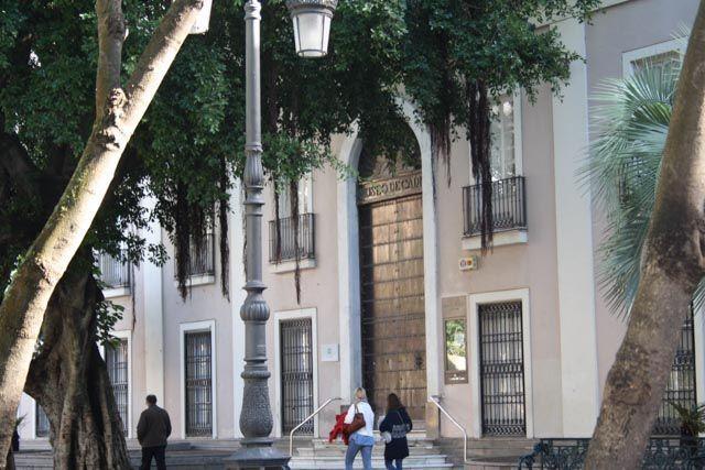 El origen del Museo de Cádiz comienza en 1835 con el depósito en la Academia de Bellas Artes de la ciudad de una serie de pinturas procedentes de diversos conventos exclaustrados. Cuenta con una interesante colección de fondos arqueológicos y de Bellas Artes.