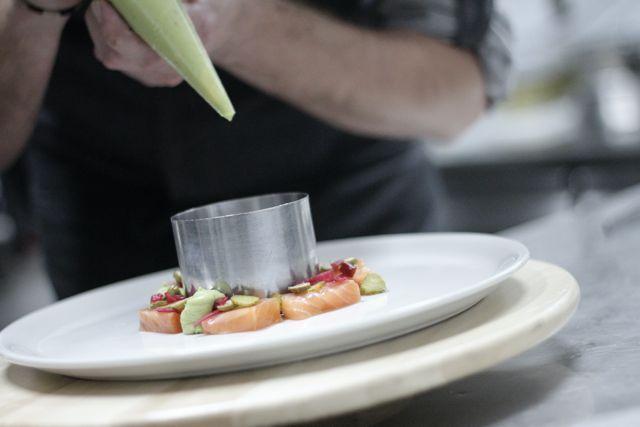 Javier Muñoz, de La Carboná, nos cuenta la pasión que siente por su trabajo, y eso se ve reflejado nada más entrar al restaurante.