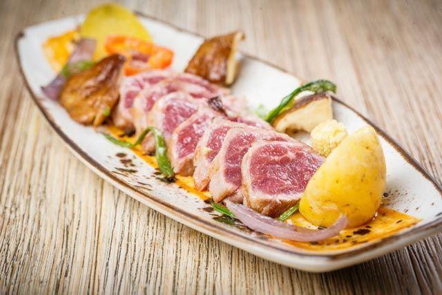 El Lucero del Muelle no solo te sorprenderá por su original decoración y su trato personalizado al cliente, sino por su deliciosa e innovadora gastronomía.