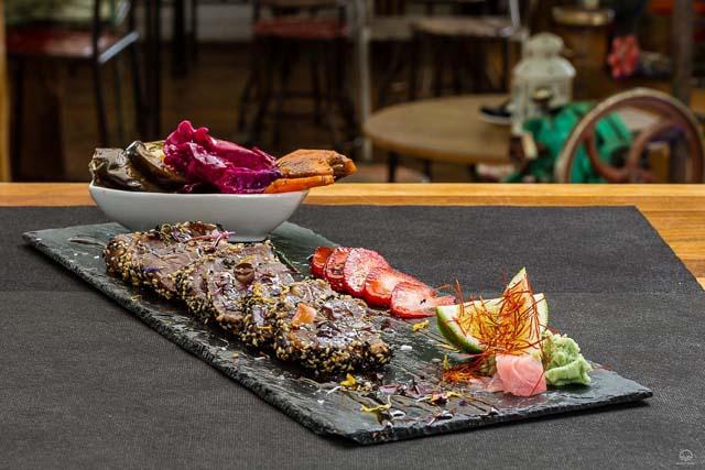 La gastronomía en Tarifa es una mezcla de sabores y cocinas que te sorprenderán gratamente.