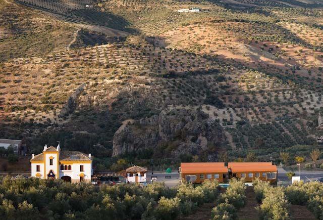 Apartamentos-turisticos-via-verde-de-la-sierra-olvera