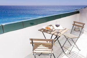 El Hotel Gastronómico La Breña es un alojamiento con mucho encanto situado en uno de los rincones más especiales y tranquilos de Los Caños de Mec