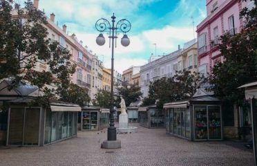 Plaza de las Flores y Edificio de Correos