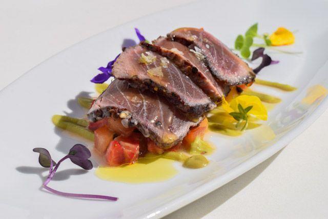 En el Restaurante La Laja, en los Caños de Meca, podrás disfrutar de una cocina que recupera sabores tradicionales de la Janda y la provincia de Cádiz