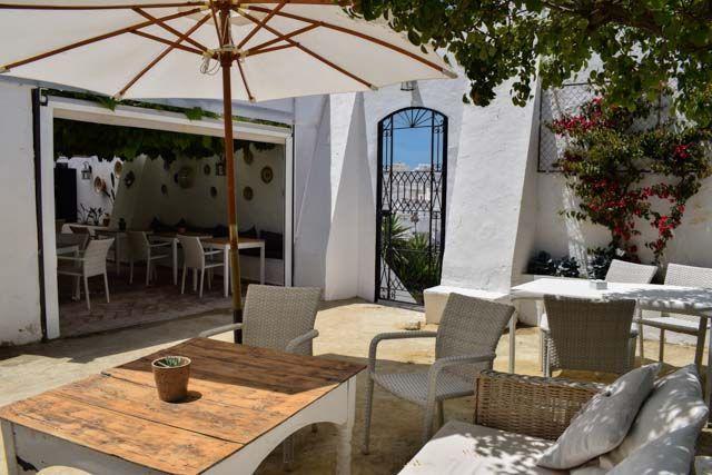 El Claustro Restaurante-Jardín
