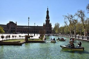 Remar en la Plaza España Sevilla