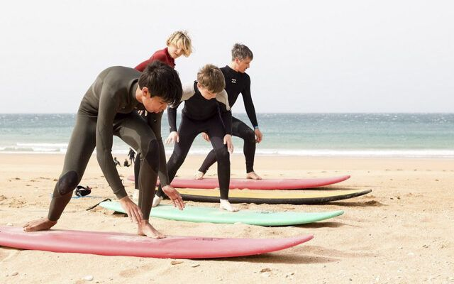 A-Frame Escuela de Surf y tienda de Surf